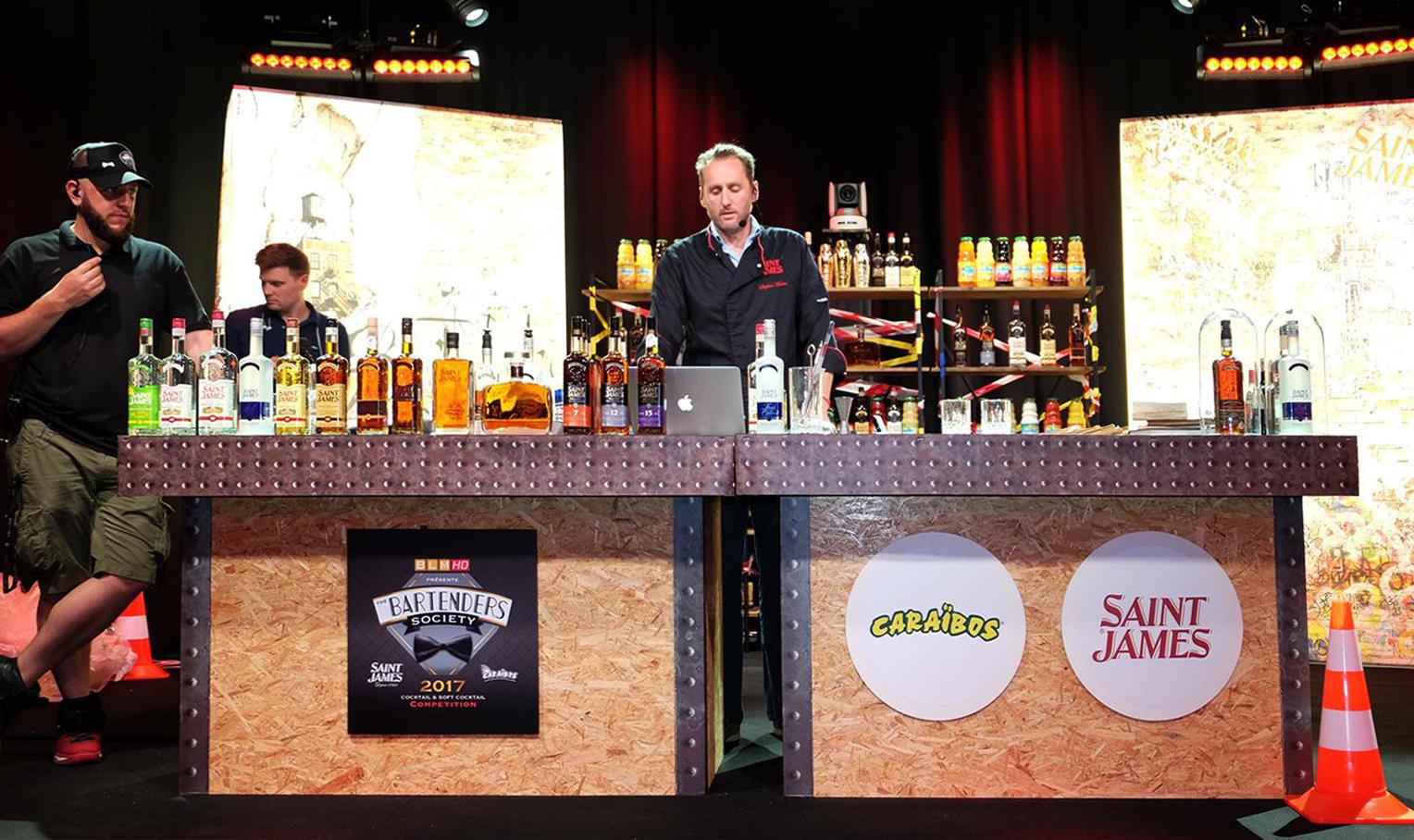 bartenders-society-bar-mobile-eccegusto copy