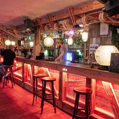 bar cocktail station