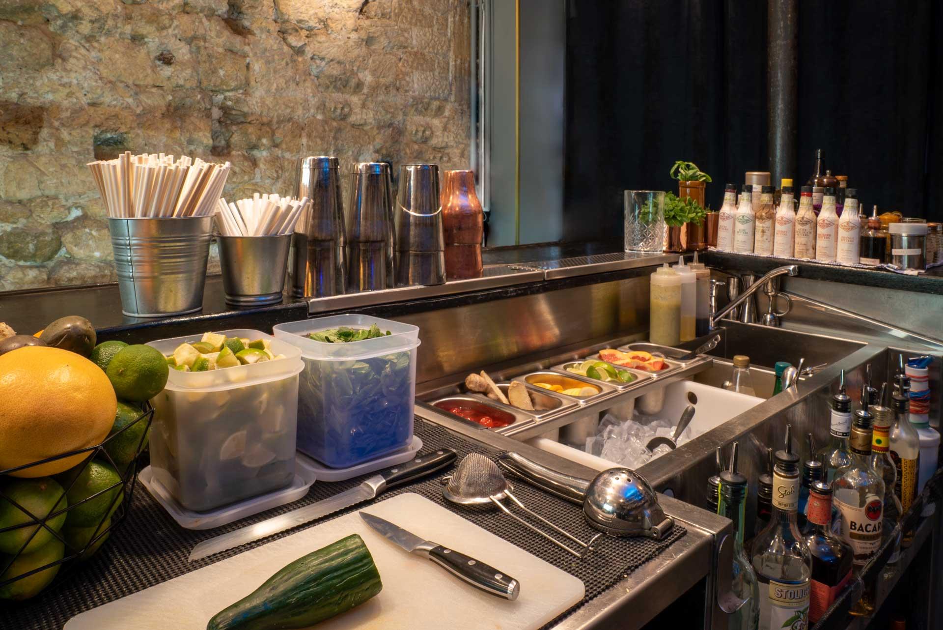 set up station cocktail