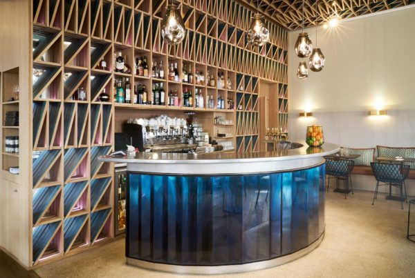 agenceur de bar arrondi sur paris